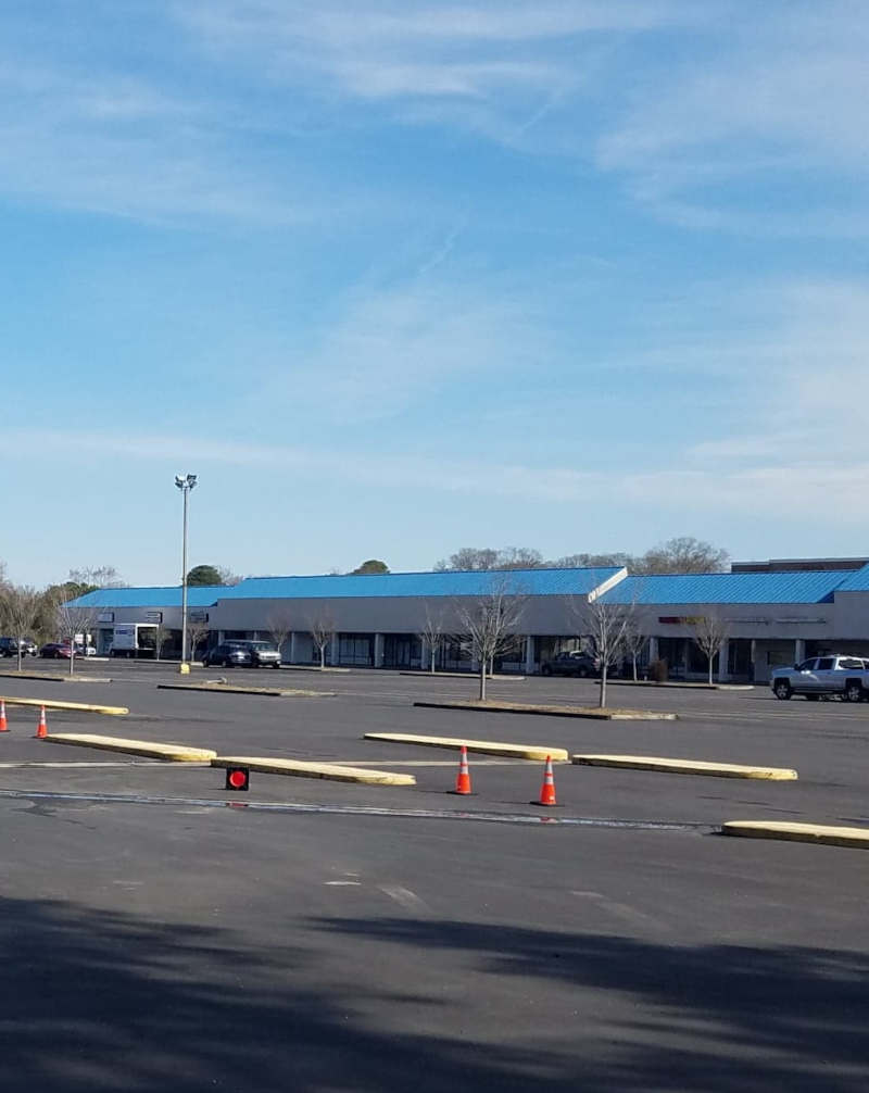 Southgate Plaza repaved their lot.